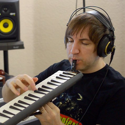Steve Morris, Soundrop artist playing a melodica